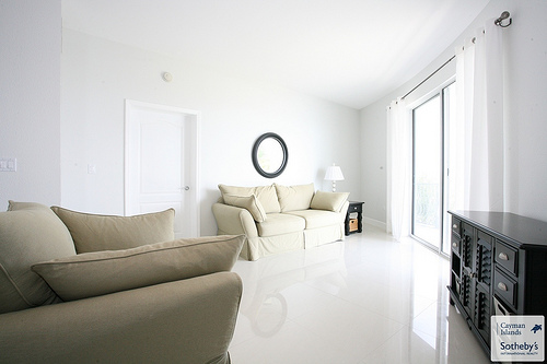 Design ideas for your condo living room for Minimalist condo interior design