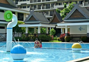 8 Cheap And Easy Ways to Bring Summer Spirit to Your Condominium