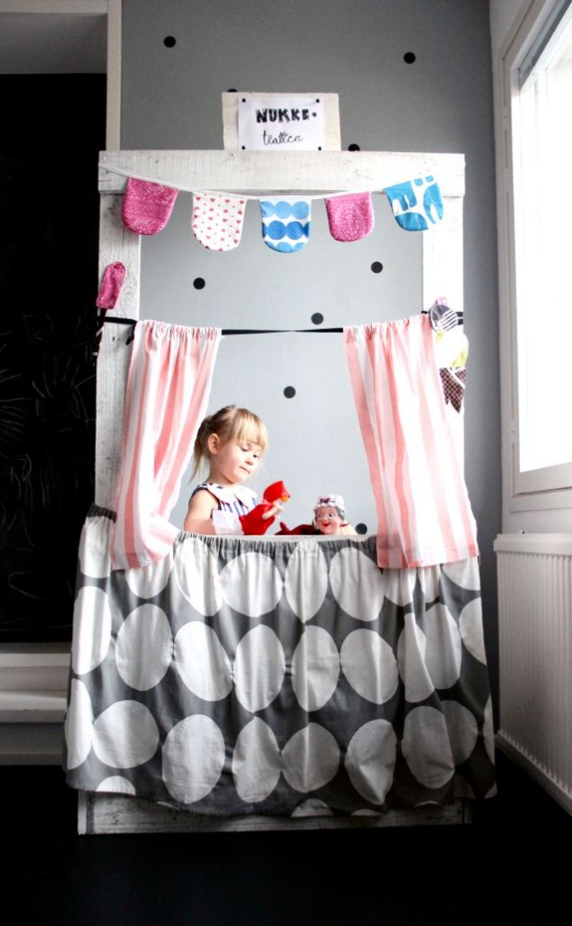 An Entertaining Puppet Theater Romm