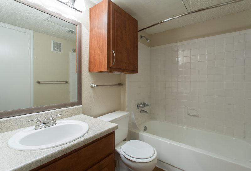 bathroom design condo rental