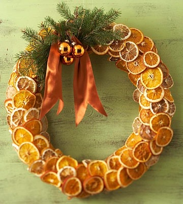 condo christmas wreath idea