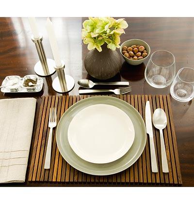 condo table setting