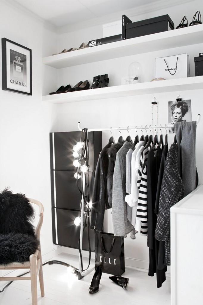 vanity room close
