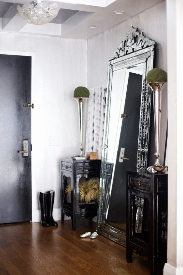 15 Tricks To Widen And Design Your Entryway
