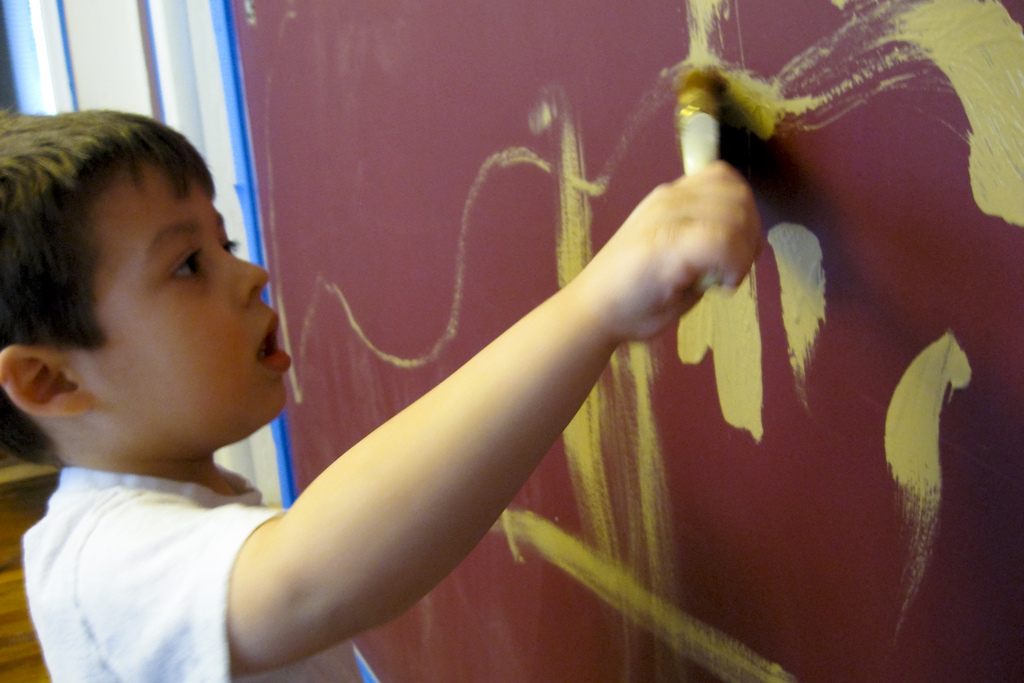 painting with kids at your condo