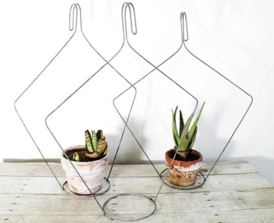 Hanger plant holders