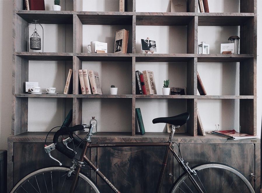 Bookworm Floor-to-ceiling Shelf
