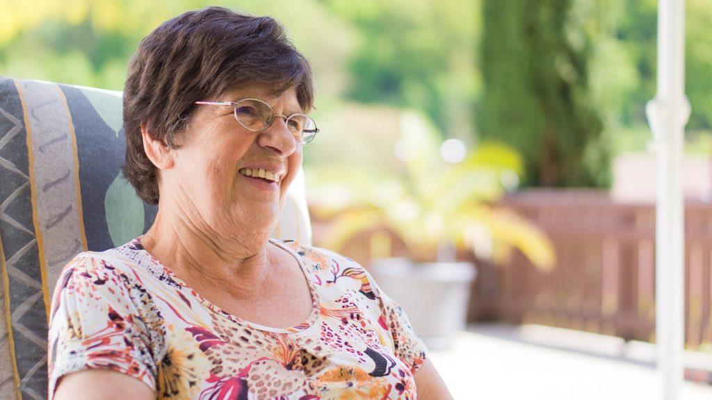 Senior Condo Living Spend Time Under The Sun