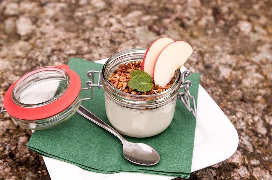 Rainy Evening Recipe Apple and Cinnamon Yogurt