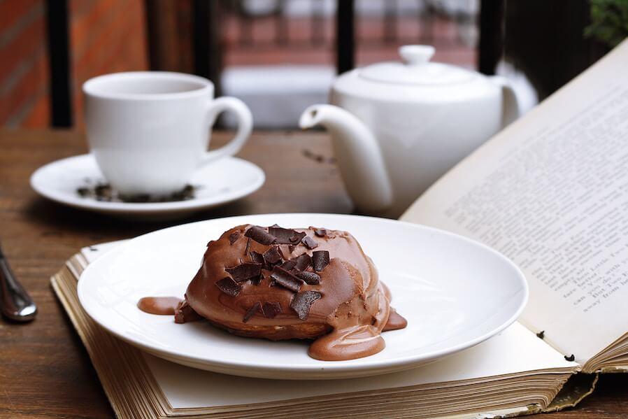 Book Lover Sanctuaries Sumptuous grubs and quiet spots