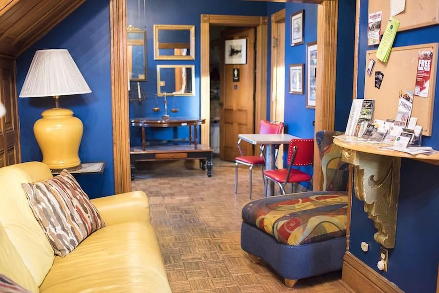 blue interior room design idea