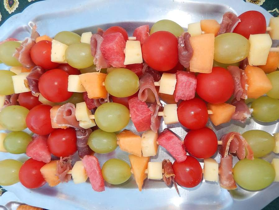 fruit skewers for snacks and threats