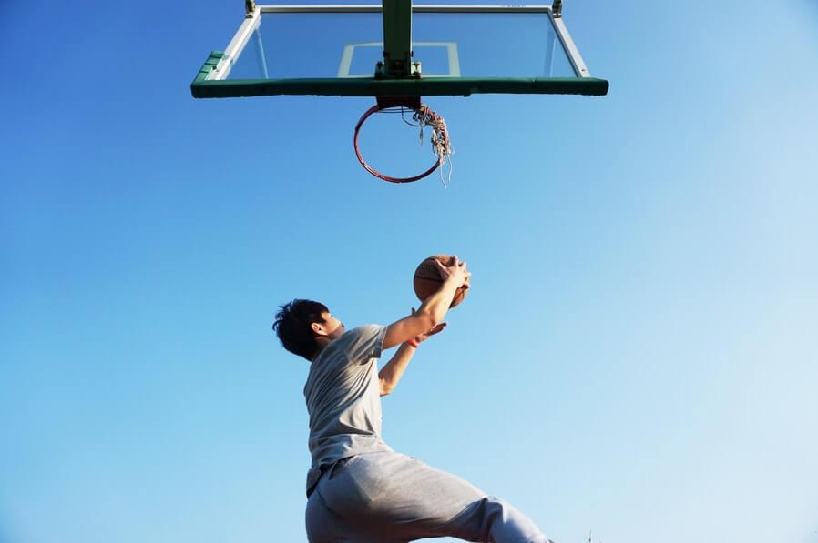 man basketball dunk