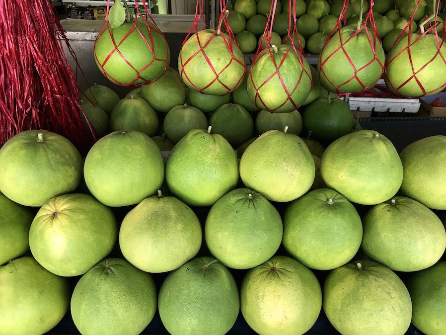 pomelo fruits sold in the market