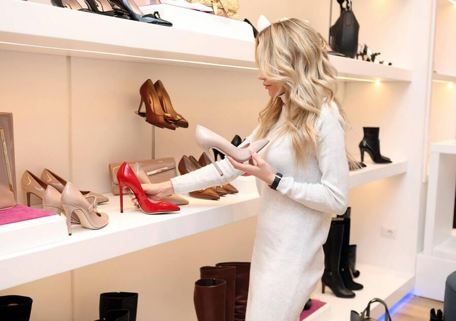 woman shopping, choosing the right shoes