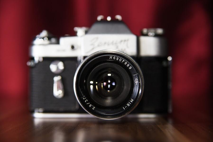 classic mirrorless camera