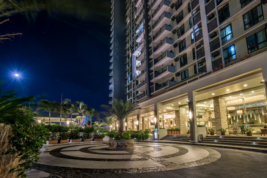 dmci homes the flair towers parkway