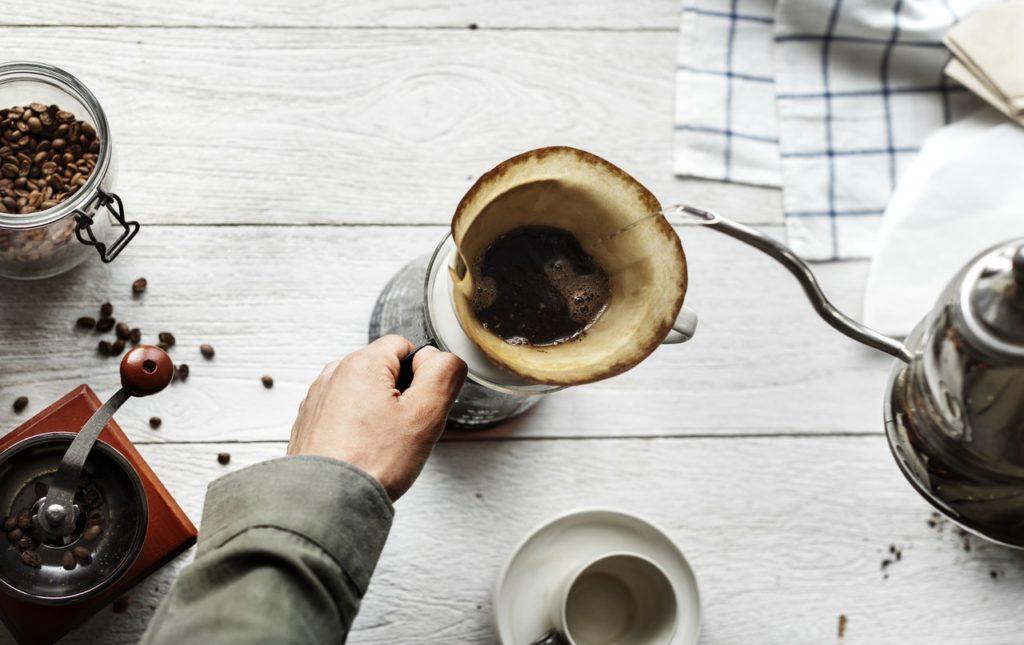 coffee pour mug