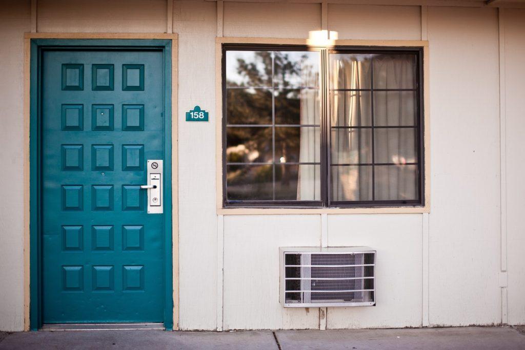 paint door lucky color