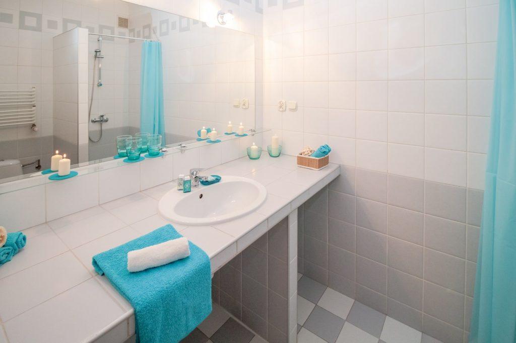 aqua vibrant bathroom design