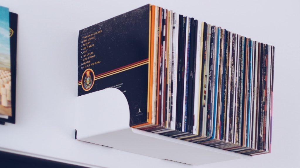 mount bookshelves design