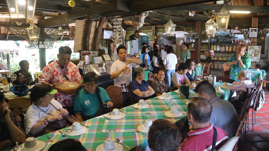 Everyone's eager for the lunch to be served at Balaw Balaw Restaurant and Art Gallery.