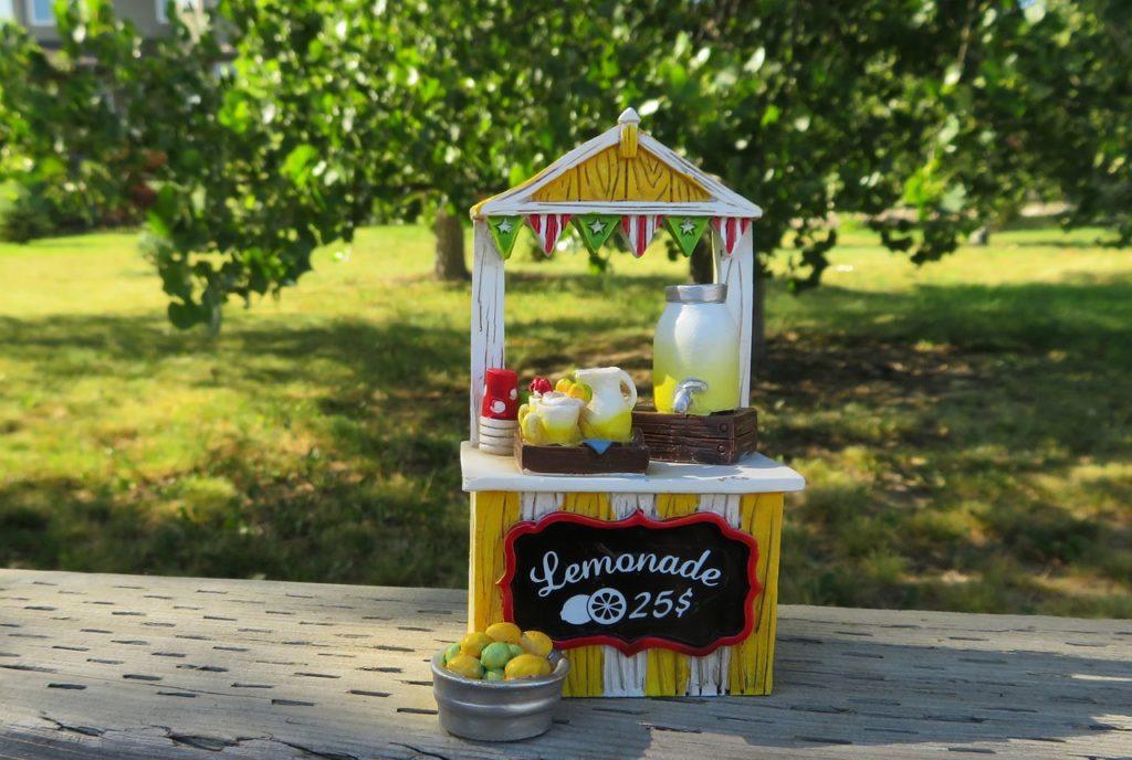 lemonade stand stall
