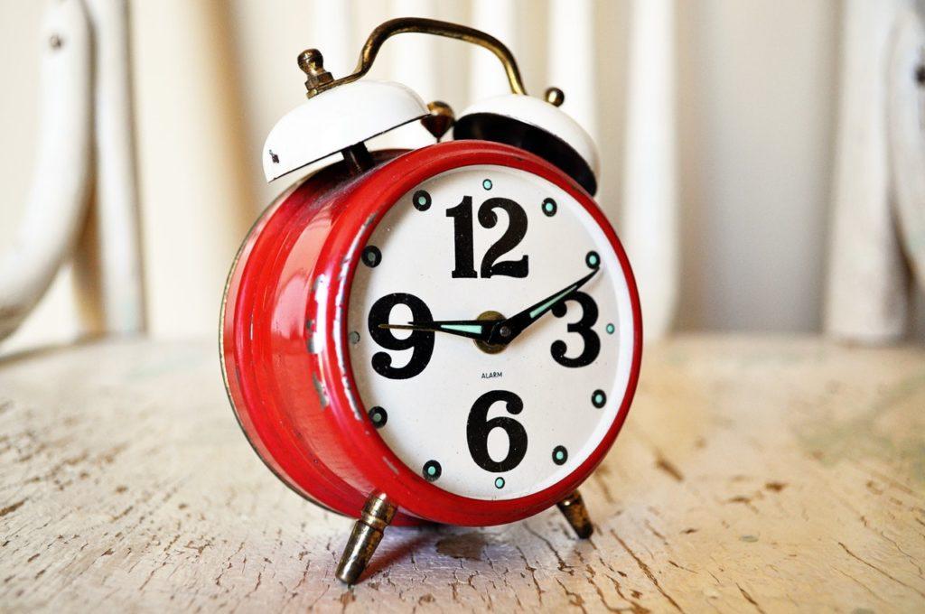 alarm clock analog