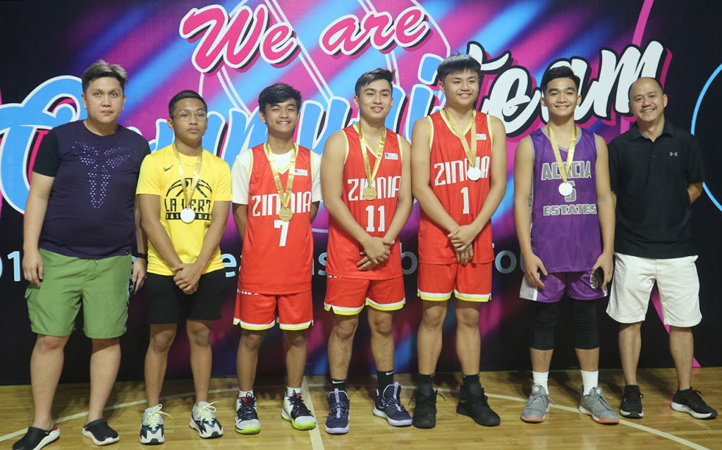 The best in their division: the Juniors Division's Mythical 5 pose for a photo.