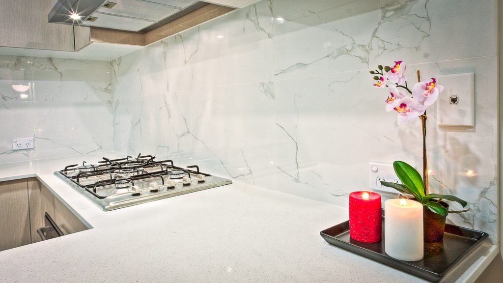 backsplash candles contemporary