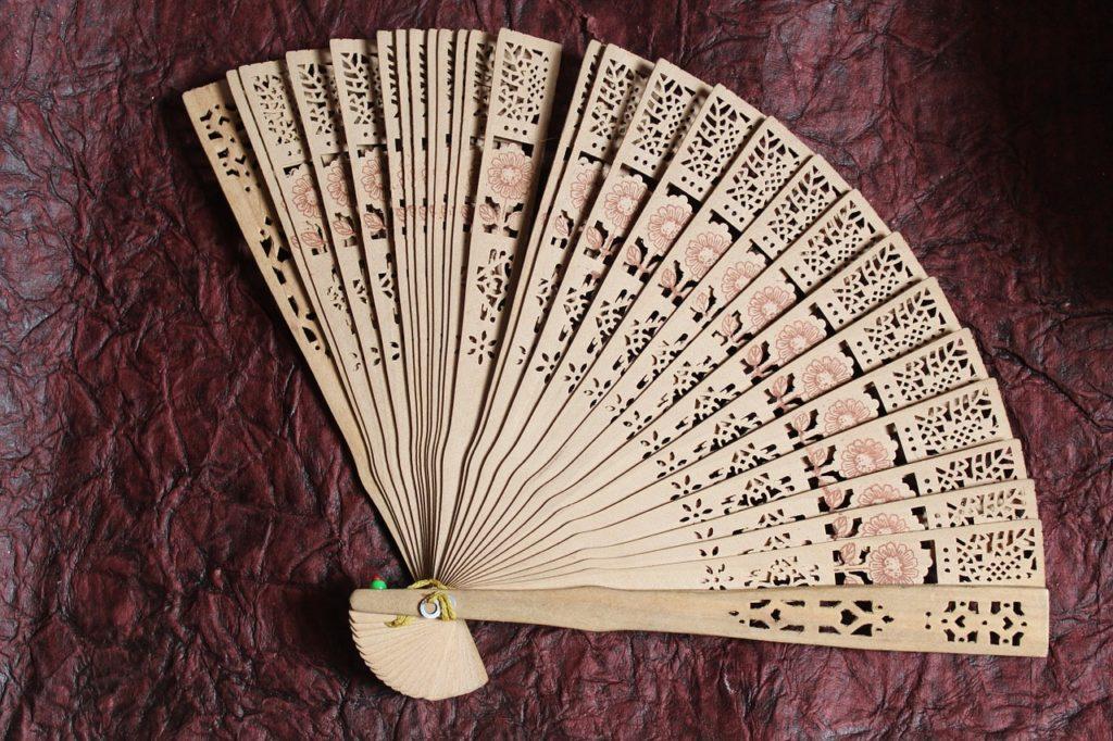 embellished fans abanico