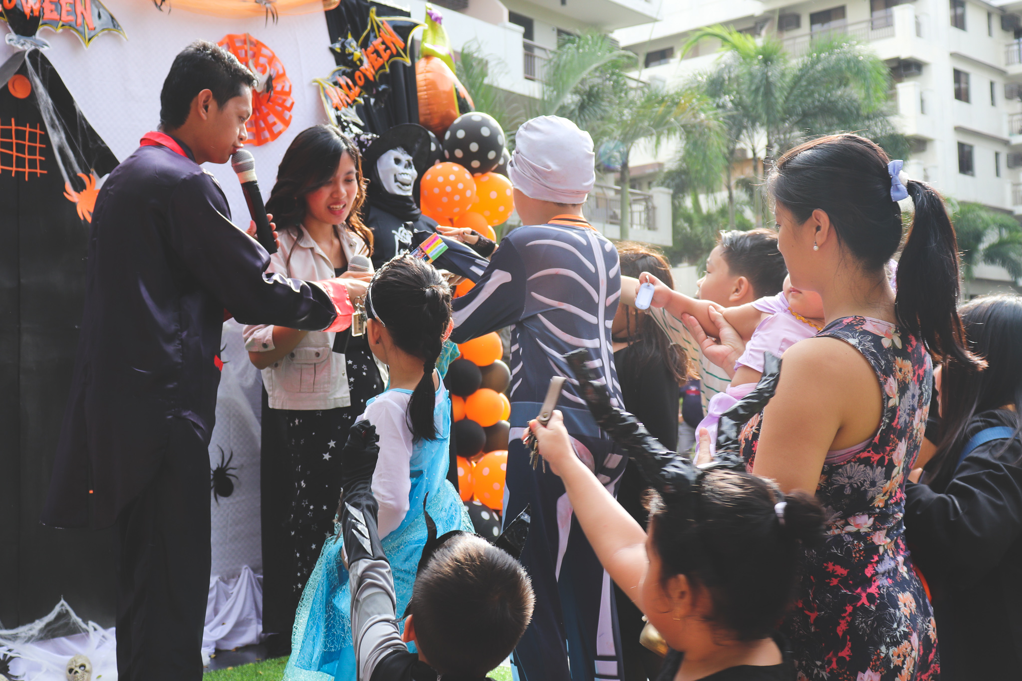 Picture Perfect: the kids with their parents over at Royal Palm Residences approached the hosts for the