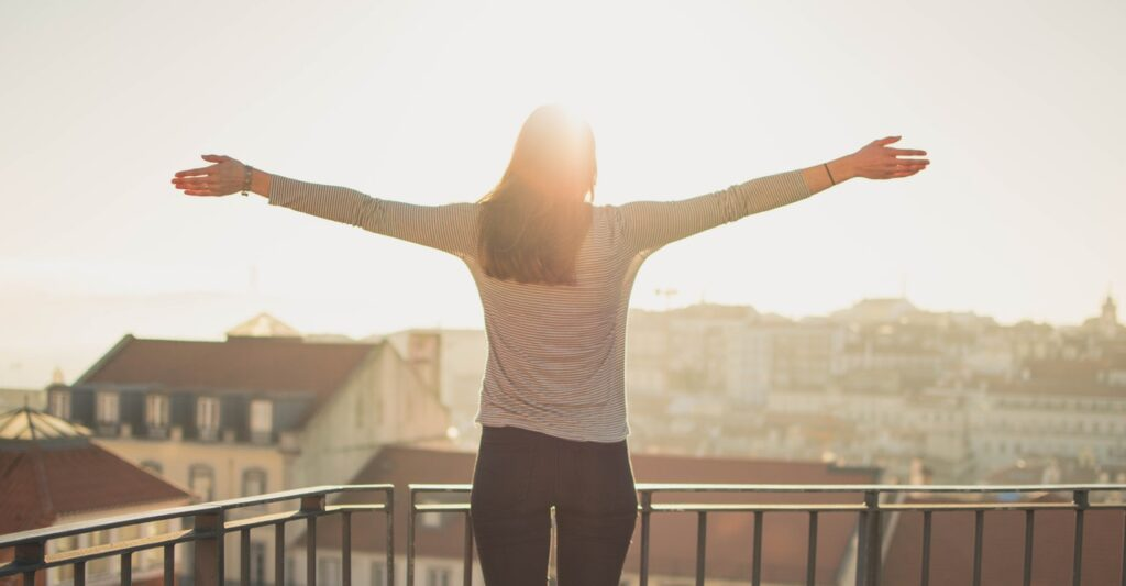 9 Tips to Practice Daylight Saving in Your Condo This 2020