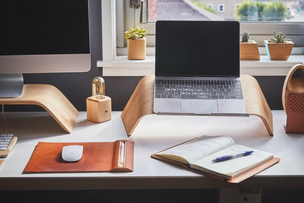Desk Ideas for a Productive Work-from-home Experience